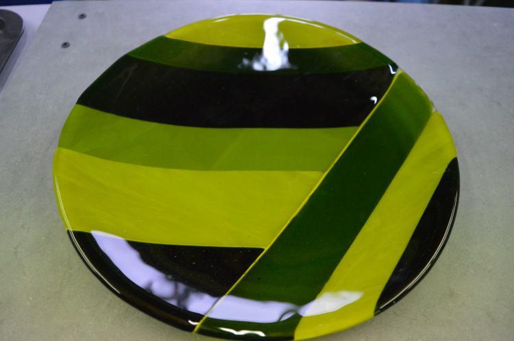 Large green dish 1